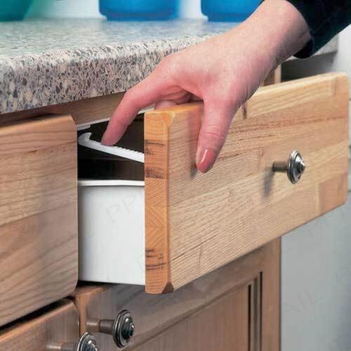 10 x Child Safety Catch Child Lock Cupboard Door Drawer Catches Inc Screws