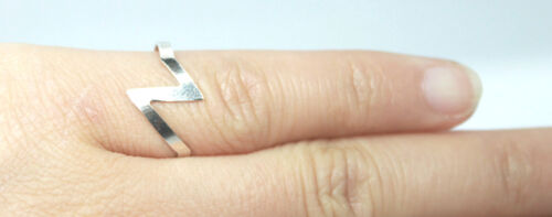 Tarnished 925 Sterling Silver Toe Finger Z Thunder Design Wire Open Ring UK