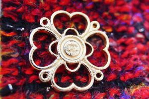One-Authentic-Chanel-Button-1-pieces-gold-emblem-1-inch