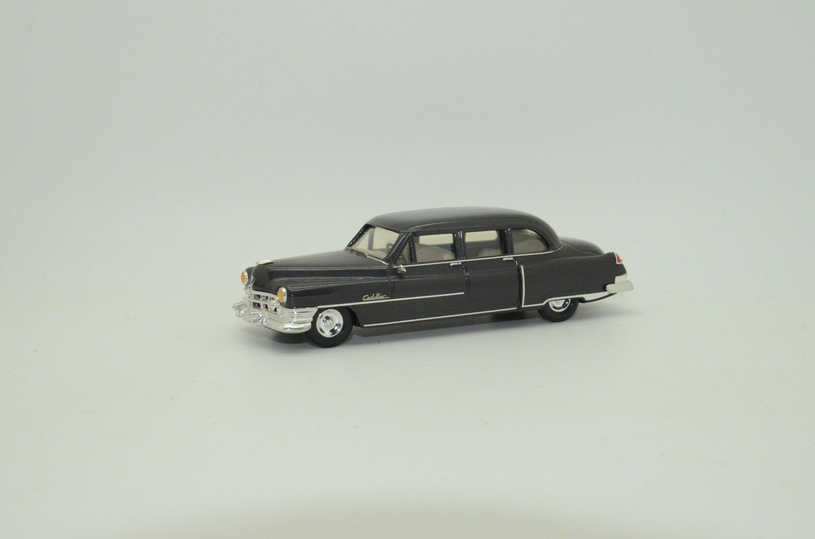 Mega RARE    Cadillac 1950 Serie 75 7 Passagers Sedan Elegance 1 43 Hand Made