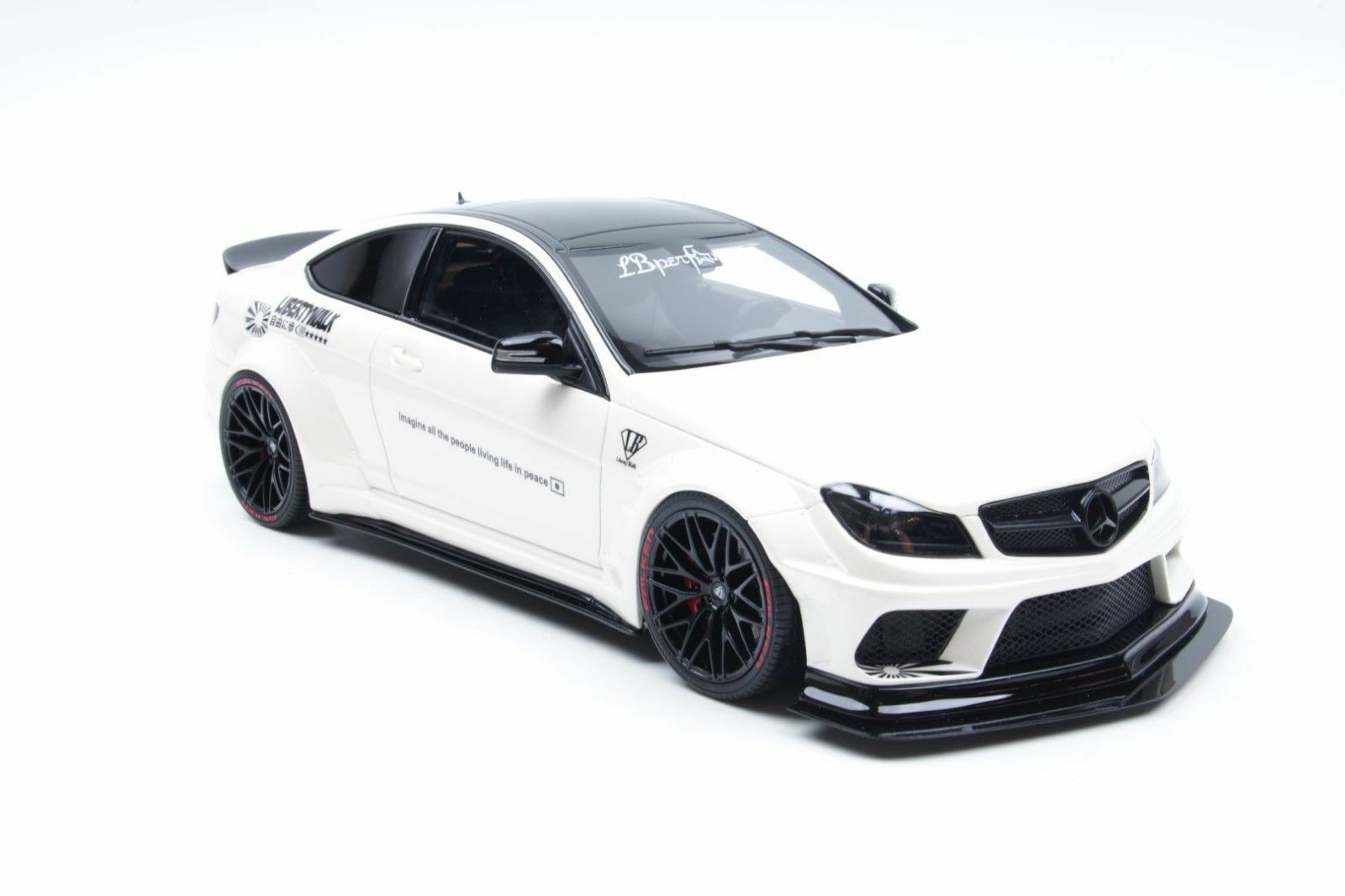 GT-SPIRIT Mercedes-Benz c63 w204 Coupè LB-Works BIANCO 1:18