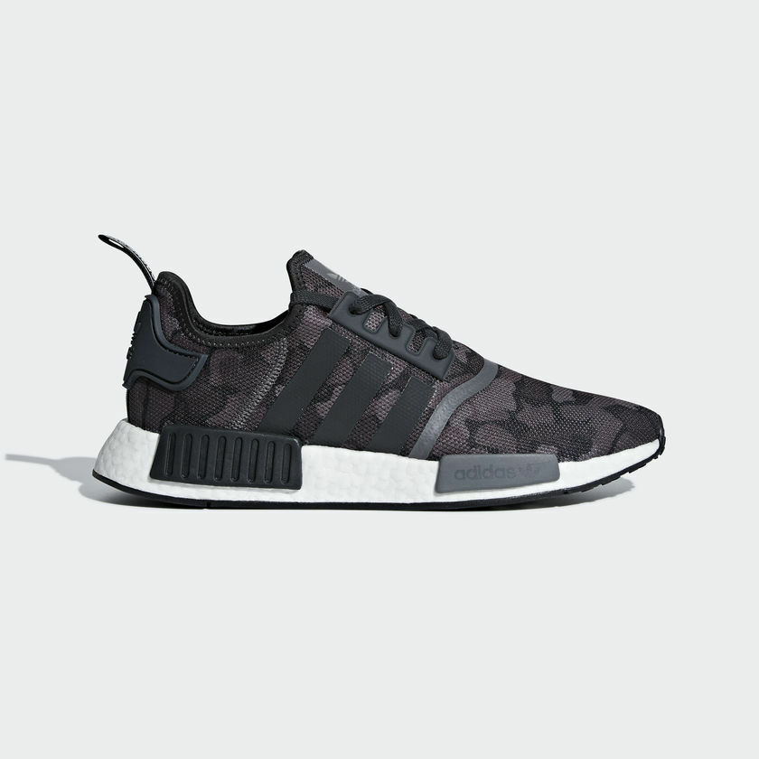 NEW IN THE BOX ADIDAS NMD_R1 D96616 BLACK ARMY STYLE SHOES FOR MEN