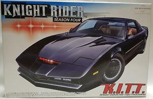 KNIGHT-RIDER-K-I-T-T-SEASON-4-1-24-SCALE-MODEL-KIT-MADE-BY-AOSHIMA