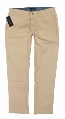Size Pick Color NWT Tommy Hilfiger Men/'s Tailored Fit Flat Front Chino Pants