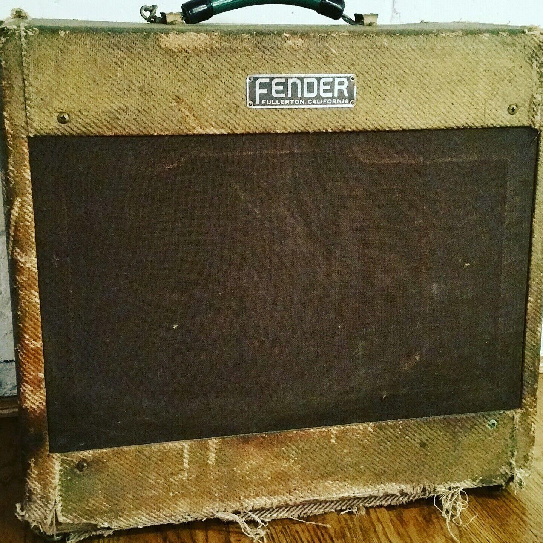Vintage 1954 Fender Tweed Deluxe Guitar Amplifier    5D3  Wide Panel