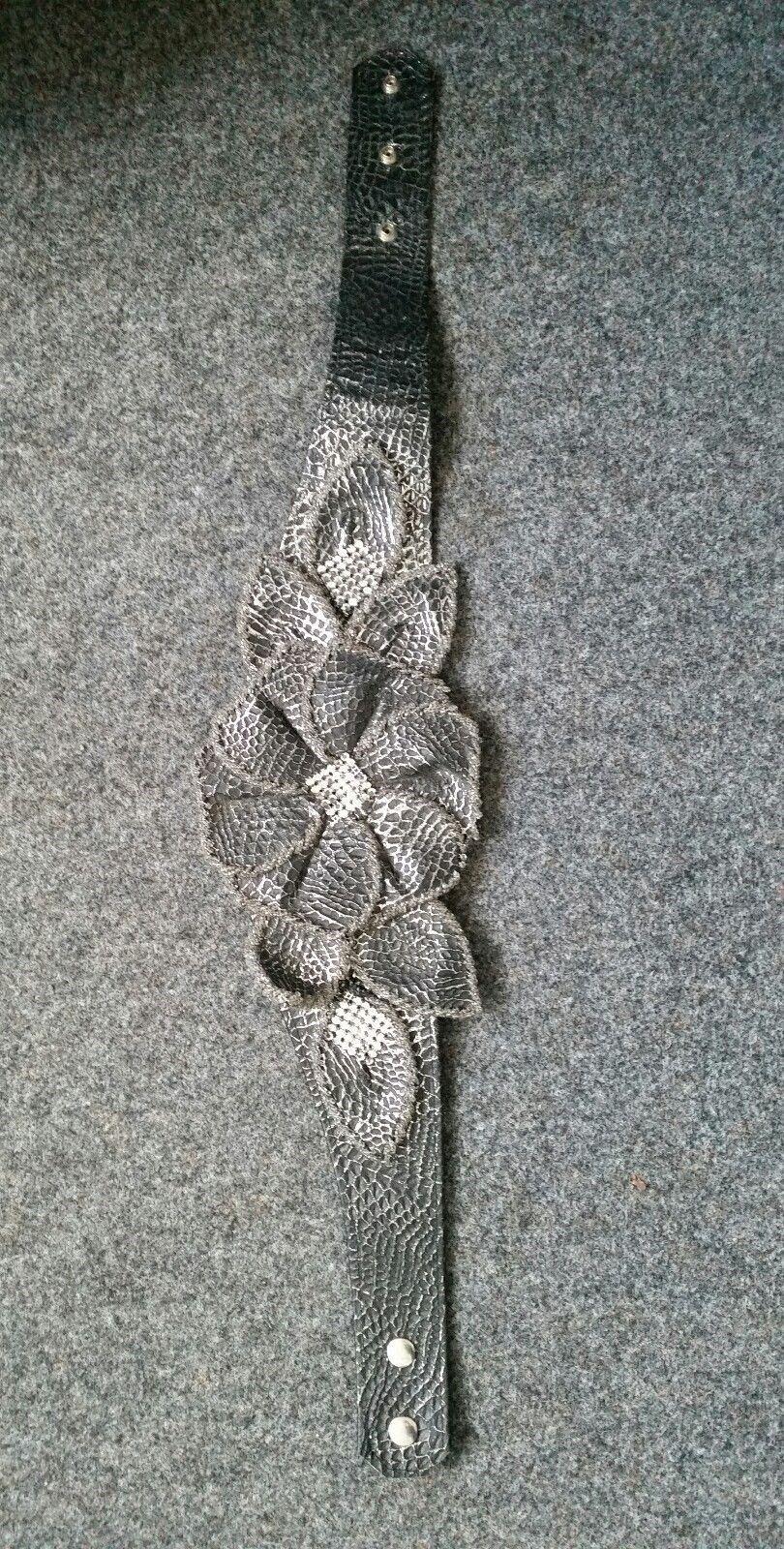 Vintage Vintage Vintage gürtel breit Größengürtel 80er grau silber glitzer Blüte 80er leder | Elegante und robuste Verpackung  | Rich-pünktliche Lieferung  | Smart  | Vorzügliche Verarbeitung  379282