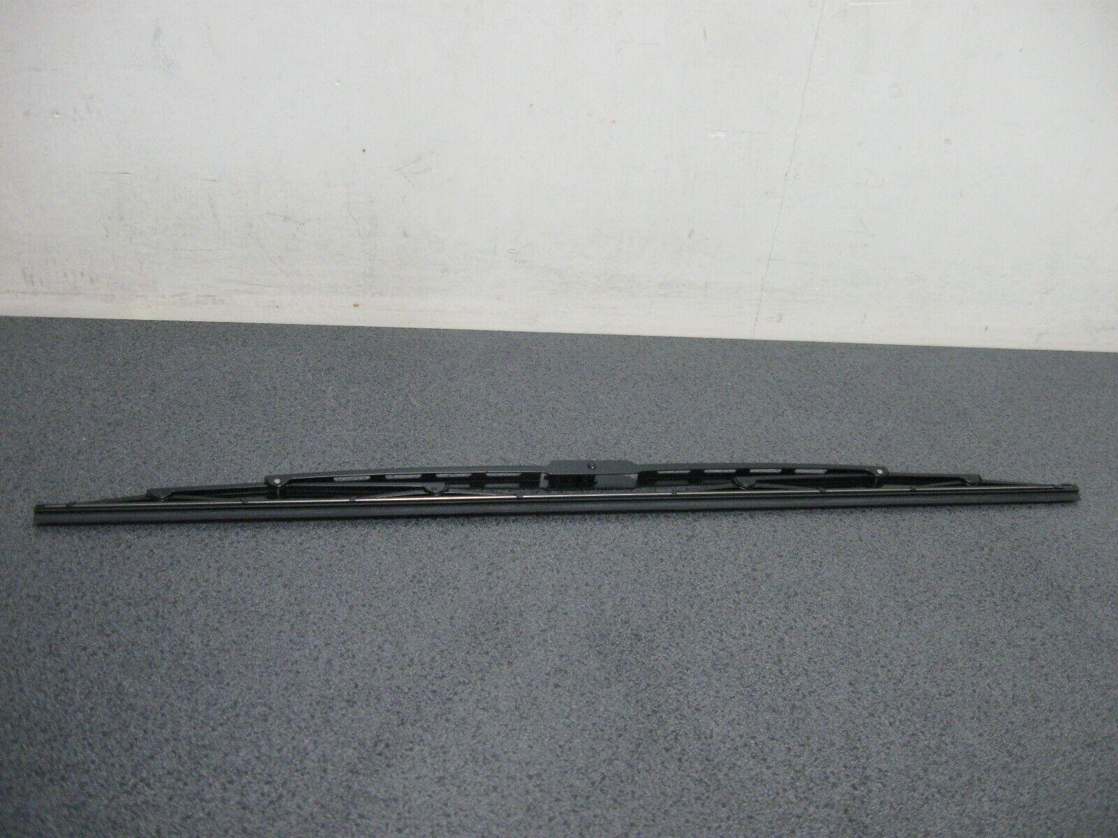 Genuine Toyota Wiper Black Hook Type 650mm or 25 1//2 in  QTY=1 85222-YZZ18-TM