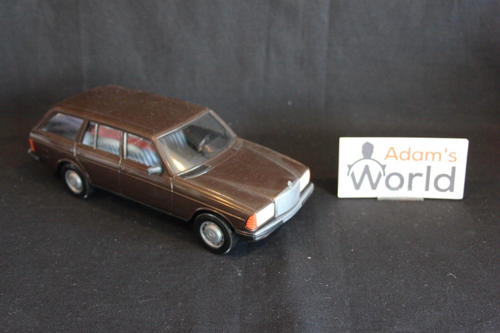 tomar hasta un 70% de descuento Stahlberg Mercedes-Benz W123 W123 W123 T-Modell 1 20 marrón metallic (JS)  el precio más bajo