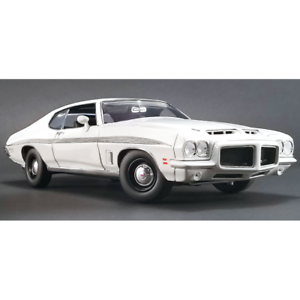 ACME – 1 18 Scale – 1972 Pontiac LeMans GTO in White Diecast Scale Model Replica