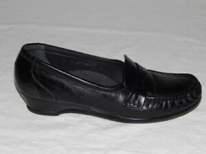 64ea6a94cfe SAS Women s Black Leather Tripad Comfort Moccasin Loafers Shoes Size ...