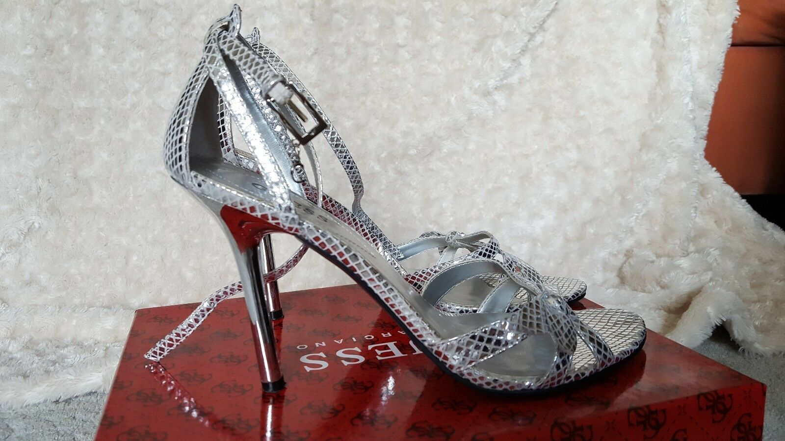 Guess by Marciano High Heel Silver Metal Strappy Leder Sandales 9M WGJETT