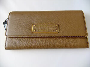 cc20222766f2 Marc By Marc Jacobs Too Hot To Handle Long Trifold Wallet in Praline ...
