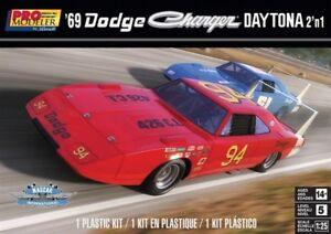 Revell-Monogram-4413-1969-Dodge-Charger-Daytona-2-039-n-1-plastic-model-kit-1-25