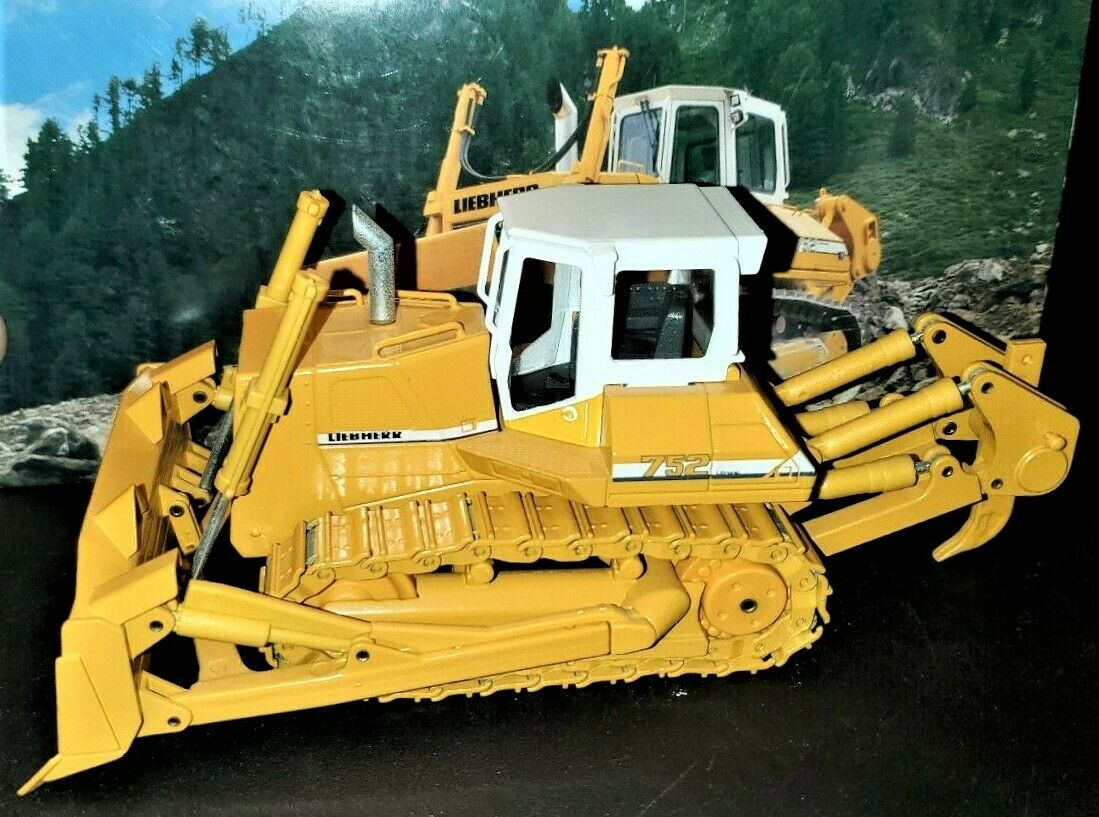 Conrad 2806 LIEBHERR PR752 bulldozer 1 50  Die-Cast Comme neuf IN BOX  80% de réduction