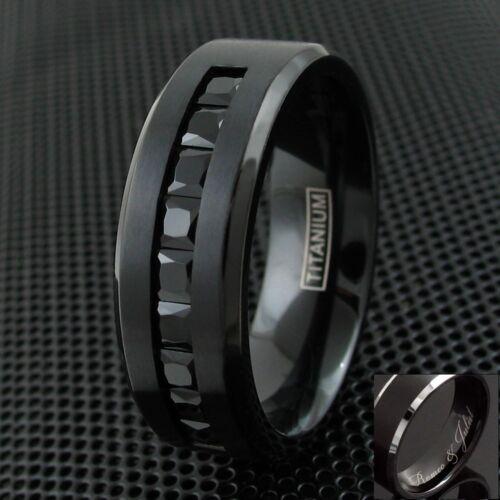 Engraved Black Titanium Men/'s 1.8 Carat Black Princess Cut CZ Wedding Band Ring
