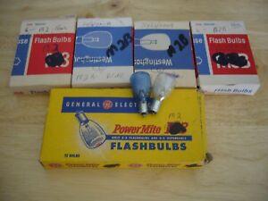 Lot of 36 Sylvania & GE Flashbulbs M2 & M2B Blue Dot Bulbs