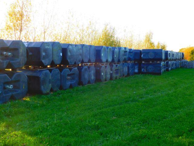 Large Water tank - drinking water storage 680 Ltr - heavy duty black plastic