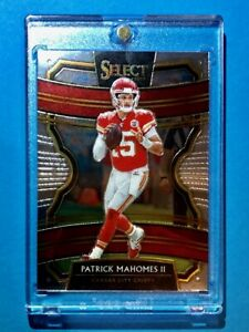 Patrick-Mahomes-HOT-PANINI-SELECT-CONCOURSE-CHIEFS-INVESTMENT-CARD-7-Mint