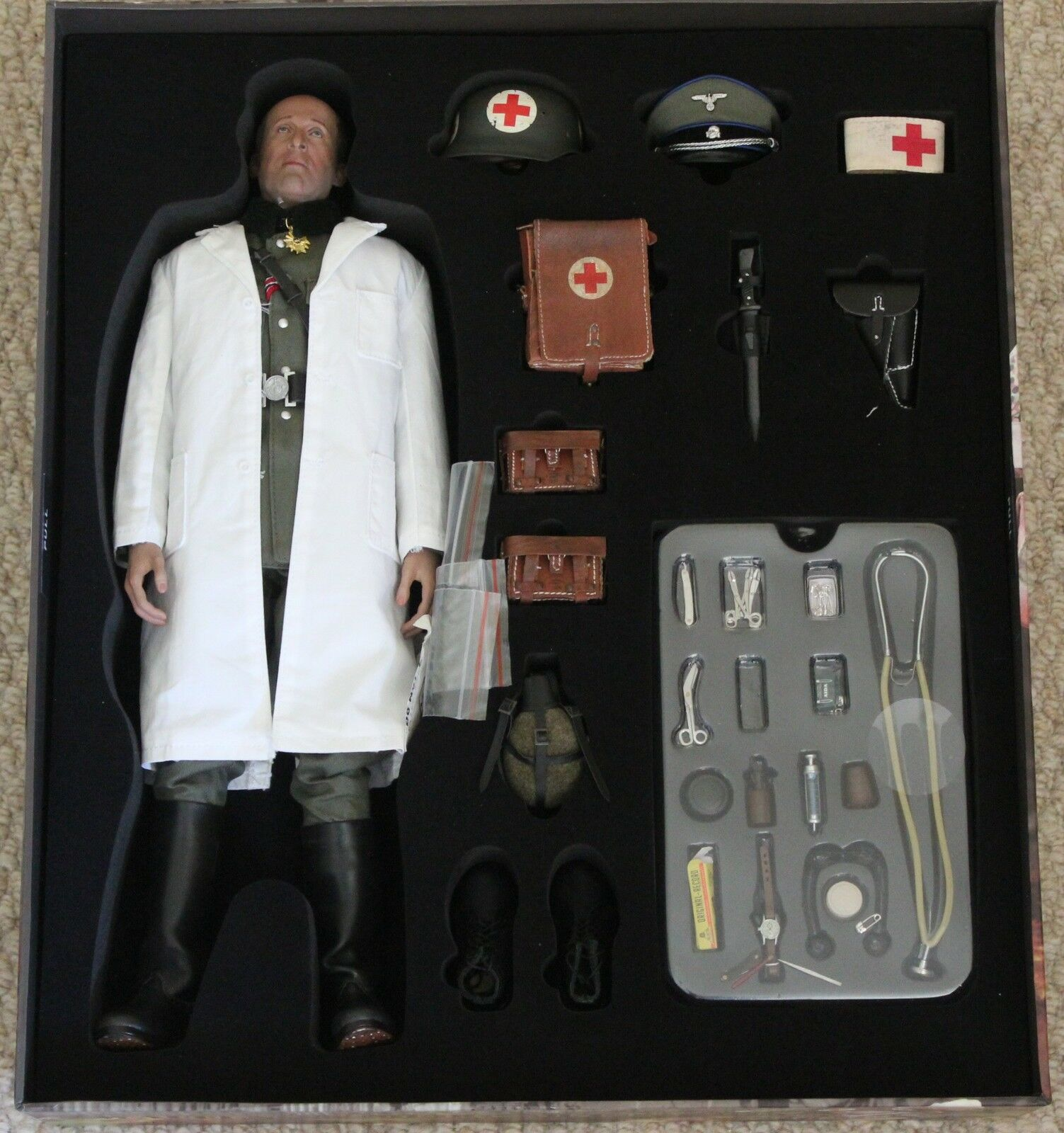 Did action action action figure german peter medic 1 6 12'' boxed hot toy ww11 dragon 2d72a8