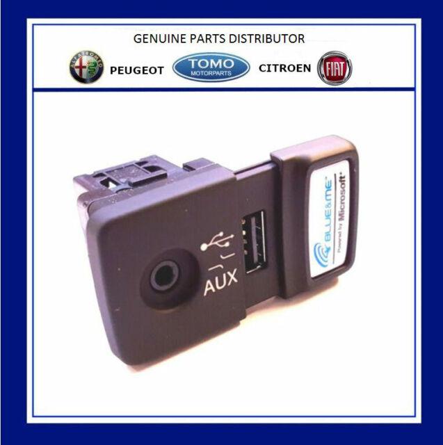 Fiat 500 Panda Punto Blue and Me USB Media Player AUX Socket Genuine 735547937