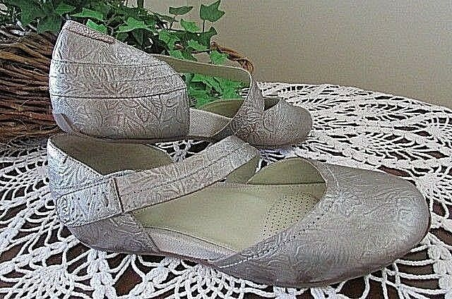 OTBT Pacific City Flat Light Pewter LEATHER mary jane shoes Size 7.5M-new