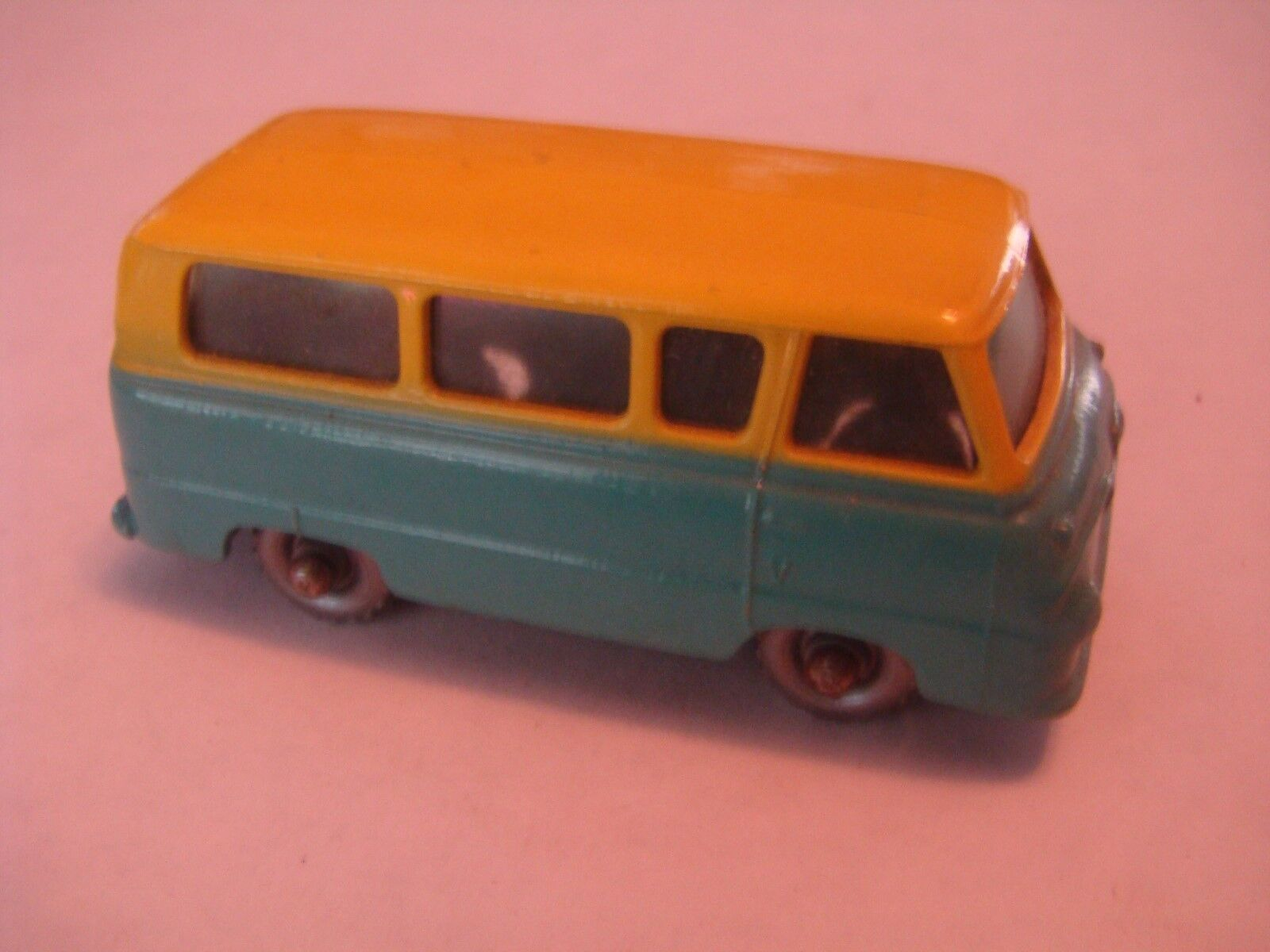 Matchbox  Regular Wheel 70 Ford Thames Estate Car Tinted Windows SPW 1959