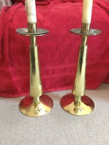 Modern-Pair-Of-Brass-Ecclesiastical-Candlesticks-16-5-Tall-Superb-4-8kg-c1960