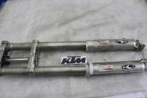 KTM-620-LC4-Gabel-Vorderradgabel-mit-Gabelbruecke-Front-Fork-R7020