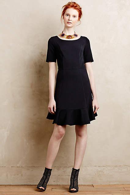 NWT  Anthropologie Marcelline Flounced Sheath schwarz Dress Größe 6