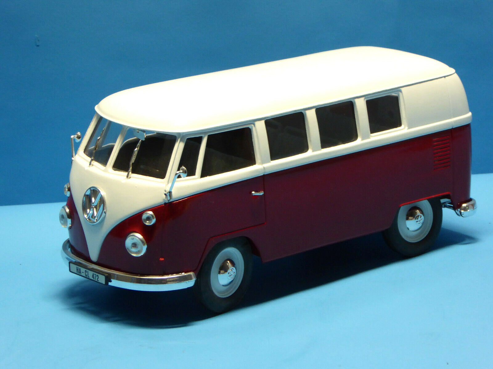 Solido 1 19 VW Bus T1   red Weiss    (OR27