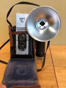 Argus Argoflex Seventy-five 75 Box Camera ~ Flash ~ Leather case
