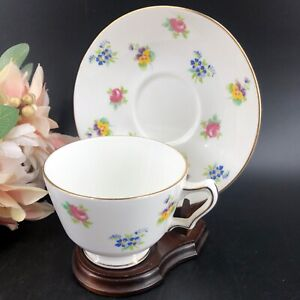 Vintage-Crown-Staffordshire-Teacup-amp-Saucer-Wooden-Display-Stand-England-Exc