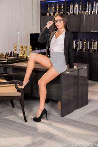 EMILY WILLIS Top Year 2020 Adult Model / 8x10 Metallic