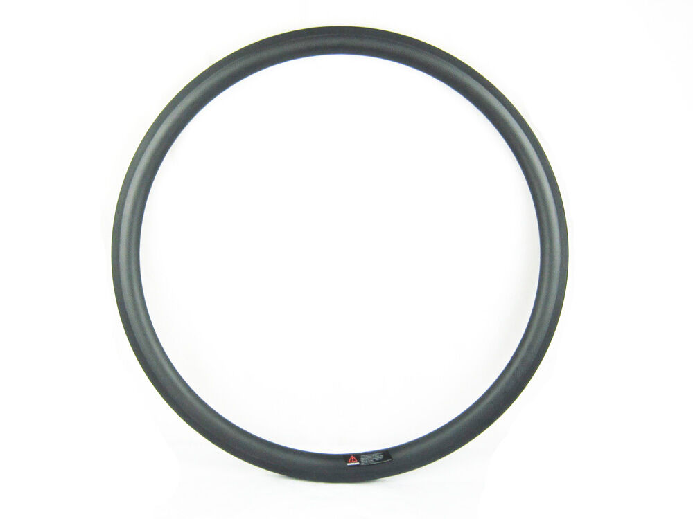 One piece 30mm deep clincher road cycle rim,700C carbon rim Tubeless compatible