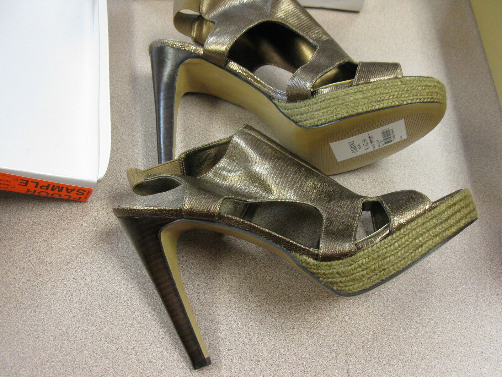 Nine West Mixitup Dark gold Platform Sandal - SIZE 10