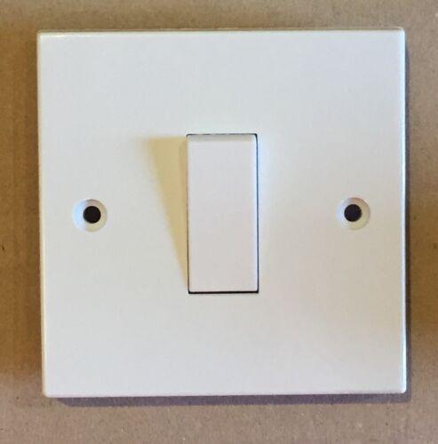 Made in UK 1 x MEM 1 Gang 1 Way 10 A Simple Interrupteur en plastique blanc D5