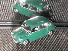 FIAT  600 quatroporte SOLIDO / verte  TBE