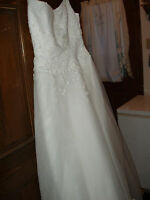 Casablanca label White Size 8 wedding gown - pre-owned