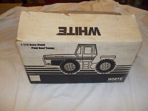 White-Field-Boss-4-210-4wd-tractor-VINTAGE-Scale-Models-Toy-1-16-Original-BOX