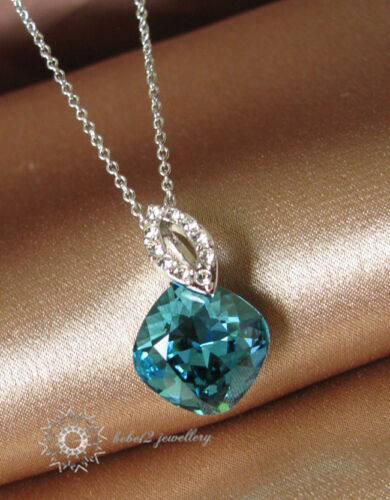Cushion Cut Ocean Blue Crystal Pendant Necklace//White gold//RGN002S