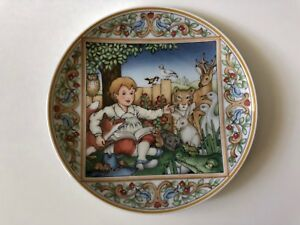 Villeroy-amp-Boch-Heinrich-Decorative-Plate-Kindertraume-W-Germany-Animals-Child