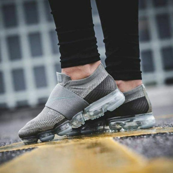 27982ba8337f2 Nike Air Vapormax Flyknit MOC Aa4155 006 Cool Grey wolf Grey hot Punch WMN  Sz 7 for sale online