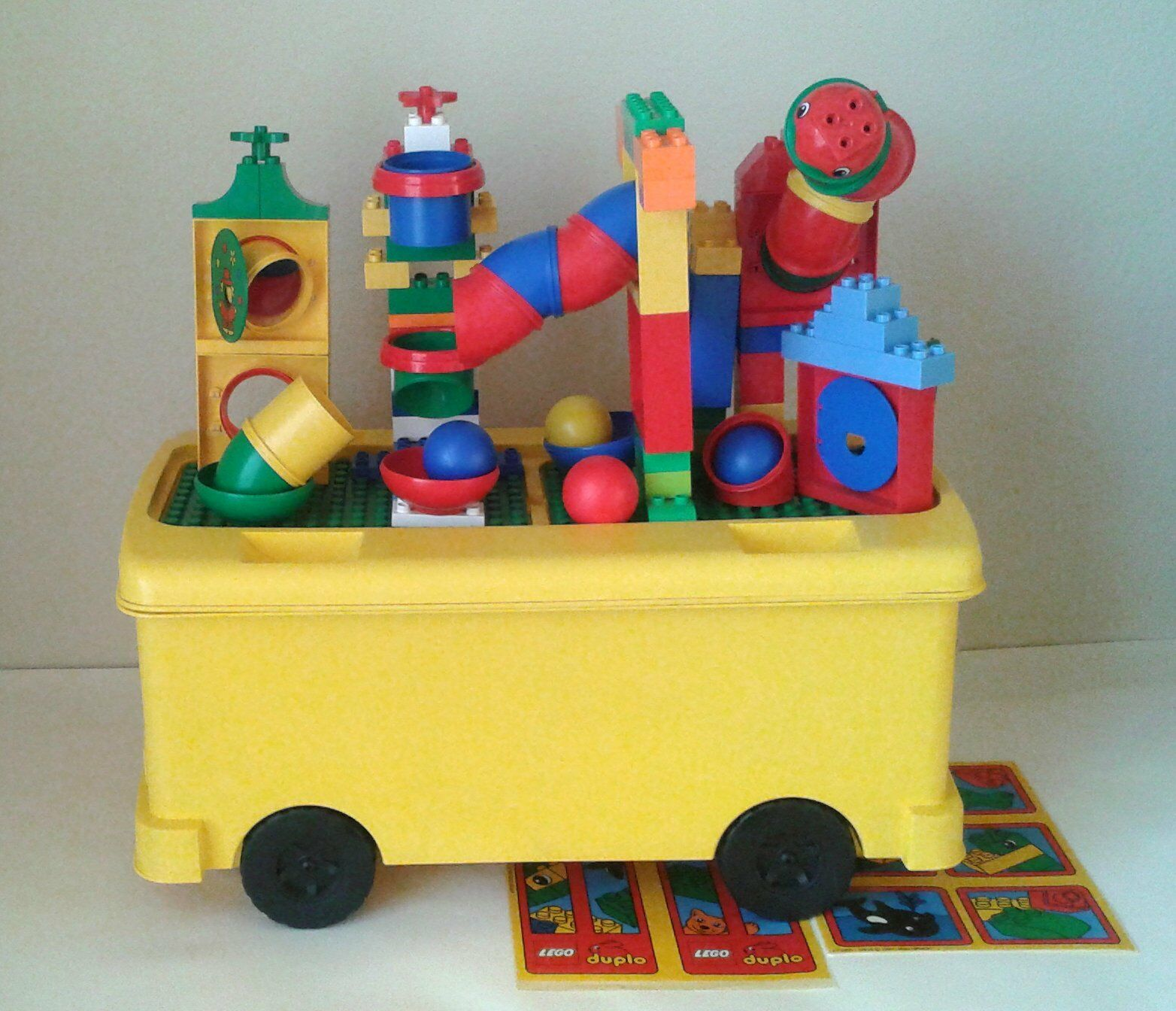 LEGO Duplo Tubes Lot +  2581 Animal autobus Ride-on Storage Bin gree with ruedas  risparmia fino al 30-50% di sconto