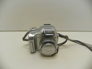 Fujifilm-Finepix-2800-Zoom-Bridge-DSLR-Style-Digital-Camera-Outfit-in-Silver