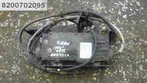 Renault-Grand-Scenic-2003-2009-Electronic-Handbrake-Motor-Cables-8200702095