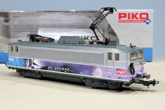 PIKO EXPERT 96513 LOCOMOTIVE ELECTRIQUE BB 8588 EN VOYAGE