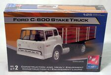 AMT/ERTL  FORD C-600 STAKE TRUCK 1:25 Scale Model Kit