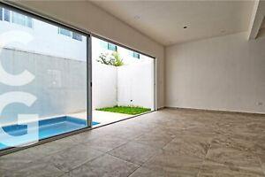 Casa en Venta en Cancun en Residencial Arbolada con Alberca de 3 Recamaras