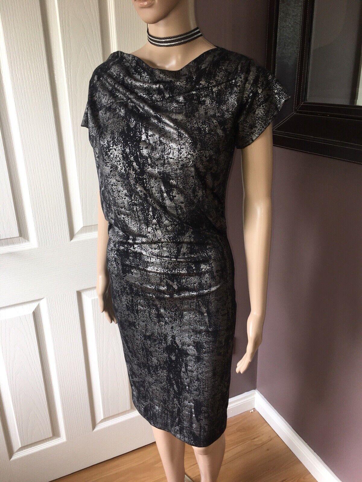 único nuevo Vivienne Westwood Plata Vestido  Talla XS8  cómodamente