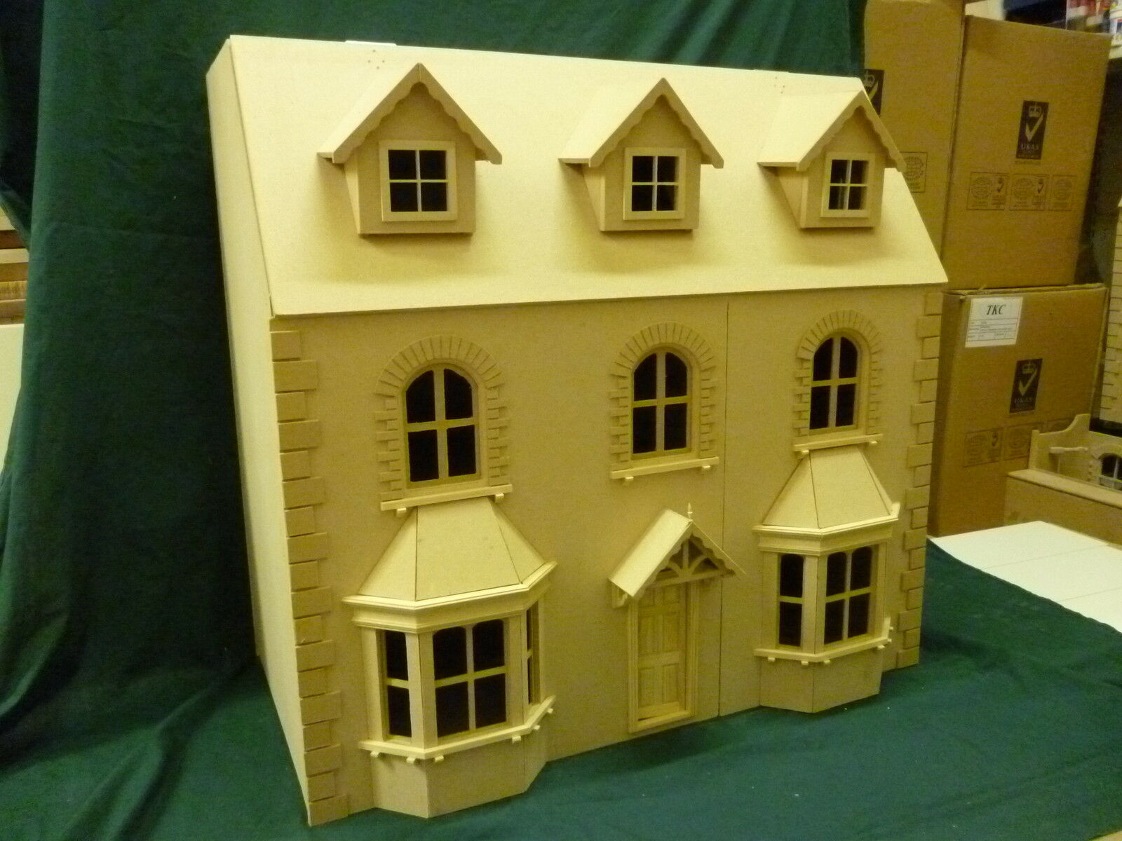 Victorian Bay Window Dolls House 6 Rooms 1 12 Scale 30  wide 15  deep KIT